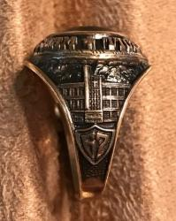 Class Ring Right